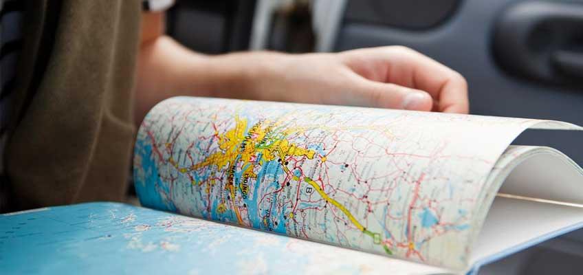 Hand och kartbok