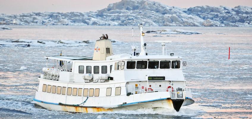 Båt på isigt hav
