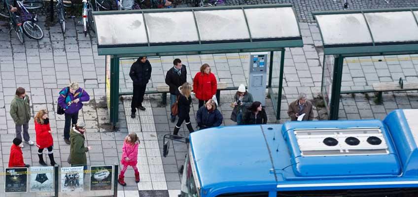 Buss vid bushållplats