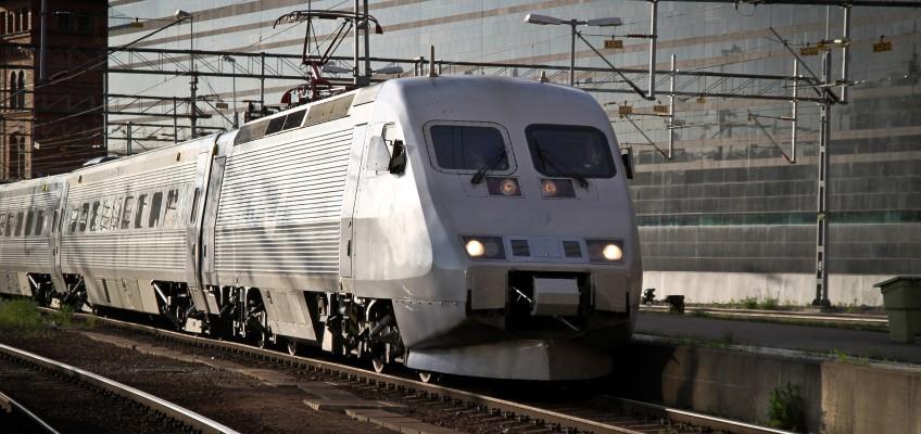 X2000 tåg kommer till Stockholm